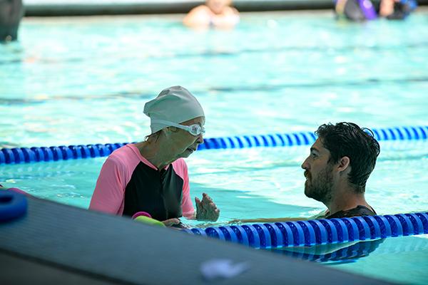 亚搏体育APP官网下载游泳